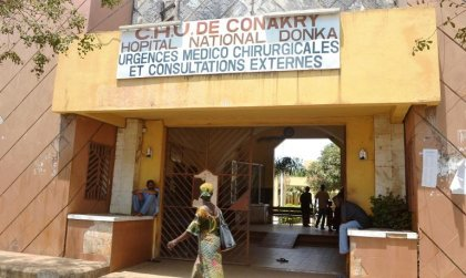 L'épidémie d'Ebola s'amplifie en Guinée, ses voisins très inquiets
