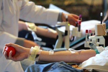 Les Etats-Unis veulent supprimer l'interdiction de dons de sang des gays