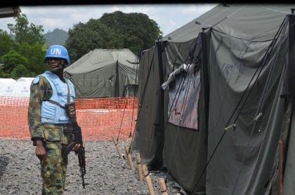 Ebola: le Liberia lève l'état d'urgence, bientôt des essais de traitements en Afrique