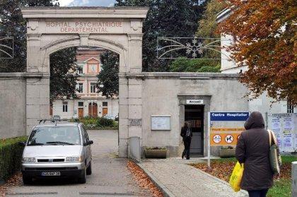 Schizophrène meurtrier: l'hôpital et un médecin renvoyés en correctionnelle