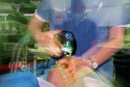 Médecins: le temps de travail des internes ramené à 48h, le décret publié