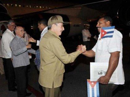 Ebola: Cuba envoie 83 médecins et infirmiers supplémentaires en Afrique de l'Ouest