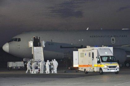 Ebola: le médecin italien contaminé au Sierra Leone est soigné à Rome