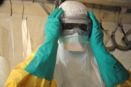 Ebola: les humanitaires intensifient leurs efforts en Afrique de l'Ouest