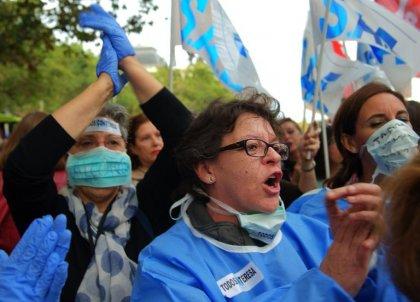 Ebola: l'aide-soignante espagnole n'a plus de fièvre, les Etats mobilisés contre la contagion