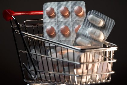 Antibiotiques: trop forte prescription en France, selon l'OCDE