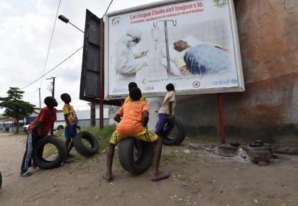Ebola: un expert de l'OMS contaminé en Sierra Leone