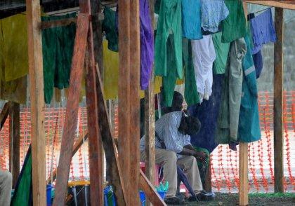 Ebola: en Afrique de l'Ouest, le virus décime les blouses blanches