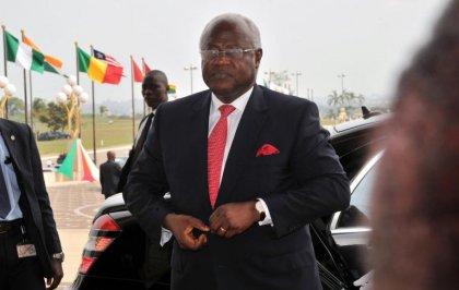 Ebola: l'armée mobilisée pour imposer la quarantaine, craintes de propagation