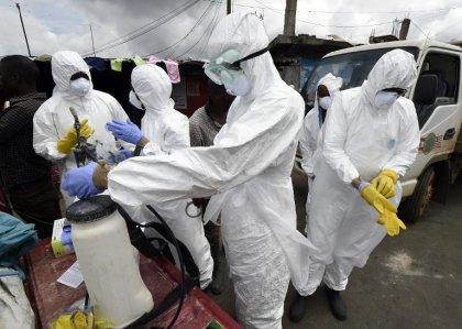 Ebola: première contamination hors d'Afrique, Obama appelle à agir