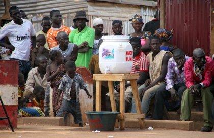 Ebola: rentrée scolaire sans grande affluence en Guinée, épidémie terminée au Mali