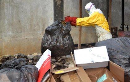 Ebola: les exigences du FMI ont affaibli les systèmes de santé des pays africains