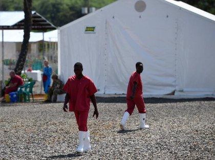 Ebola en Sierra Leone: un département voit sa quarantaine prolongée