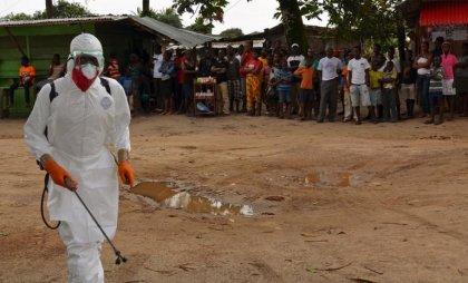 Ebola: 165 personnels cubains en Sierra Leone, Obama supervise la stratégie américaine