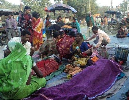 Stérilisations de masse en Inde: 10 femmes meurent, des dizaines hospitalisées