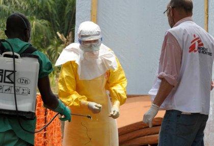Ebola: équipes françaises déployées à l'aéroport de Guinée Conakry