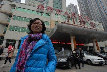 Chine: le combat isolé d'une femme médecin contre la corruption