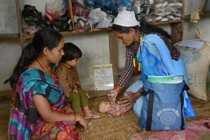Au Népal, un simple gel antiseptique pour sauver les nouveaux-nés