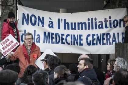 Médecins: très suivie, la grève pourrait durer, selon les syndicats