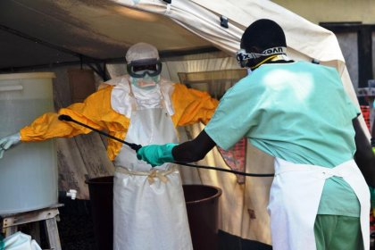 Ebola: des milliers de vaccins expérimentaux disponibles début 2015