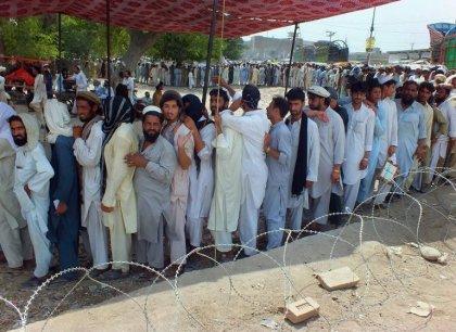 Pakistan: l'exode face à l'offensive militaire dope la vaccination contre la polio