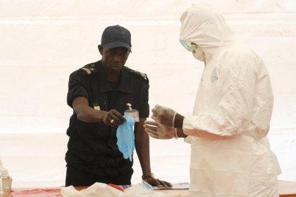 Ebola en Afrique occidentale: une des épidémies qui pose le plus de défis selon l'OMS