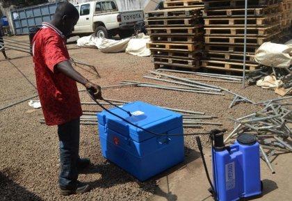 Guinée: course contre la montre pour enrayer l'expansion d'Ebola