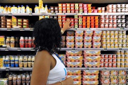 Yaourts, amandes et thé vert bénéfiques pour la lutte contre l'obésité