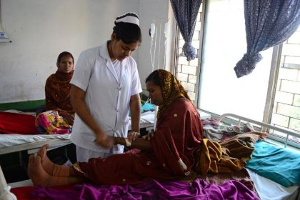 Mort de femmes stérilisées en Inde: l'opposition exige une