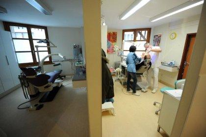 Plus de transparence ne fera pas baisser les prix, selon les dentistes