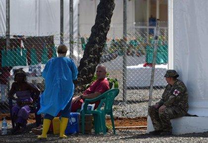 Ebola en Sierra Leone: des restrictions rétablies, le vice-président en quarantaine