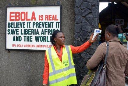 Ebola atteint un cinquième pays d'Afrique de l'Ouest, le Sénégal