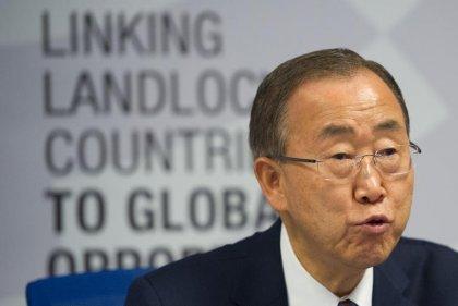 Ebola: les personnels de santé soumis à des précautions excessives