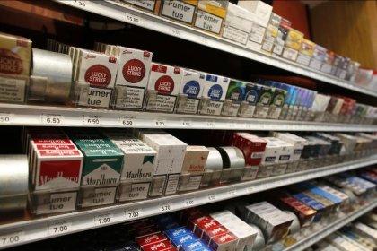 Tabac: les paquets neutres introduits