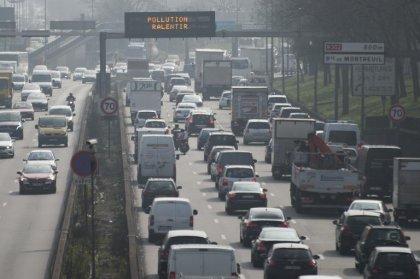 Pollution: pas de circulation alternée à Paris, malgré une demande de la mairie