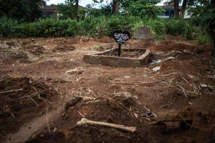 Ebola: bilans incomplets avec des milliers de morts potentiellement non comptabilisés