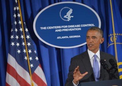 Ebola: Obama appelle le monde à