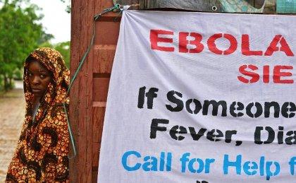 Ebola: la Sierra Leone achève son confinement, le Liberia promet 1.000 lits