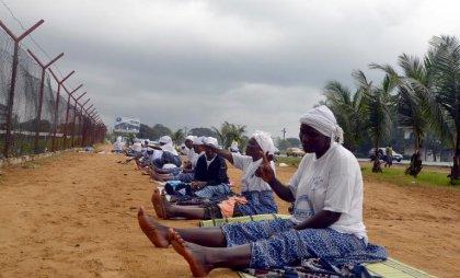 En état d'urgence face à Ebola, le Liberia et la Sierra Leone se barricadent