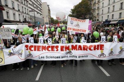 Les chercheurs dans la rue pour remettre la science en marche