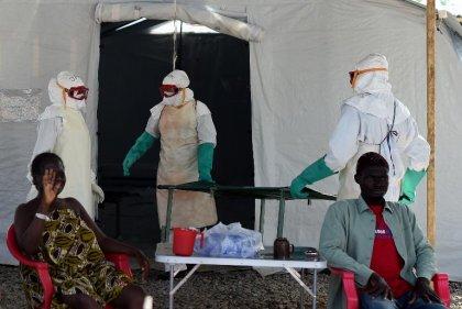 Ebola: la Sierra Leone interdit toute célébration publique pour Noël et Nouvel An