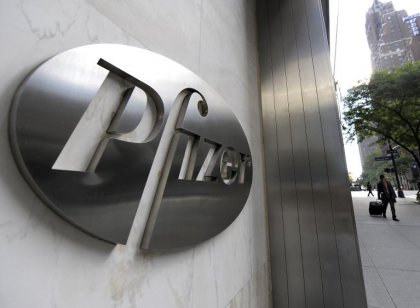 Pharmacie: Pfizer met 100 milliards sur la table pour AstraZeneca