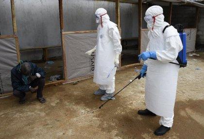 Ebola: l'Union africaine réclame plus de personnel