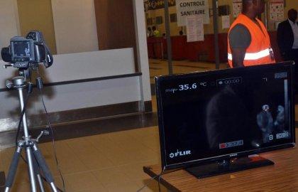 Ebola: la Côte d'Ivoire suspend tous ses vols vers et depuis les pays affectés