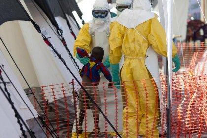 Vaccin contre Ebola : une lueur d'espoir, mais la partie n'est pas gagnée