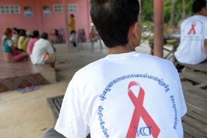 Village entier infecté par le virus du sida au Cambodge: enquête de l'OMS