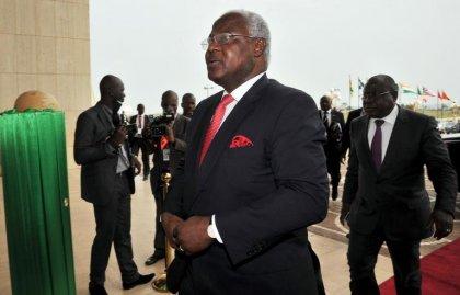 Ebola: la Sierra Leone mobilisée pour imposer la quarantaine, craintes de propagation