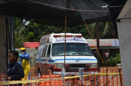 Ebola: le monde appelé à faire davantage, controles samedi à Roissy