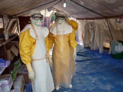 Guinée: des jeunes s'opposent violemment à l'installation d'un centre anti-Ebola de MSF