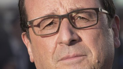 Ebola: Hollande annonce l'extension des contrôles par la France à